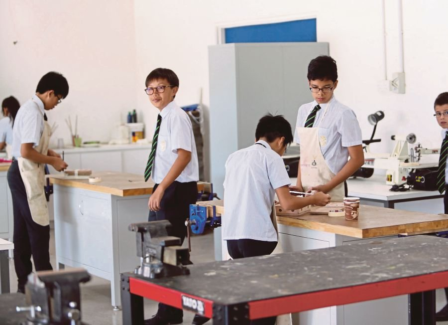 creating a conducive classroom enviroment Conducive attributes of physical learning environment of schools play a dominant  when making decisions to provide conducive facilities for the slow learners.