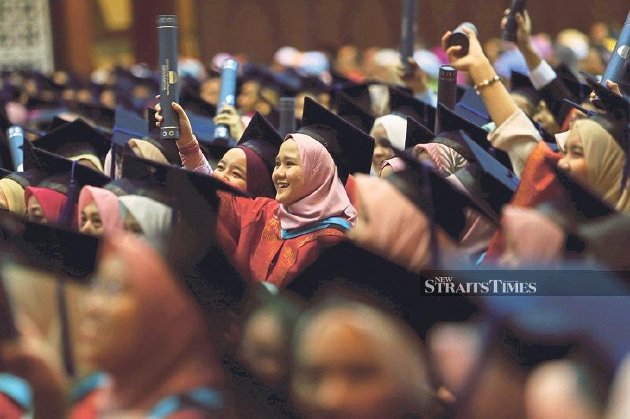 To future-proof graduates, the education framework must give greater emphasis to training in life skills, enhanced opportunities for work-based learning and periods of study abroad with top universities around the world.- NSTP/Iqmal Haqim Rosman.