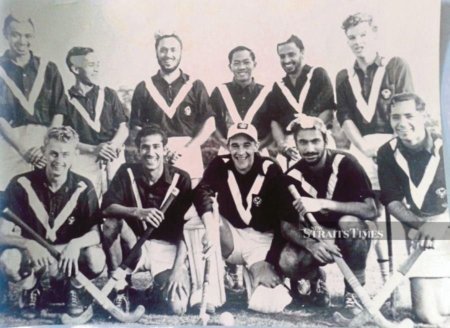 Captain (rtd) Dr Jagdev Singh Badhesha (front row, right) with his hockey team at Adelaide University, Australia. FILE PIX