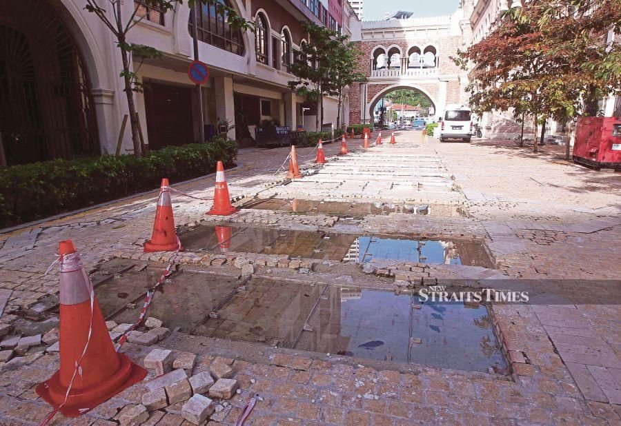One of the sites at the colonial buildings which is in need of repair. - NSTP/File pic
