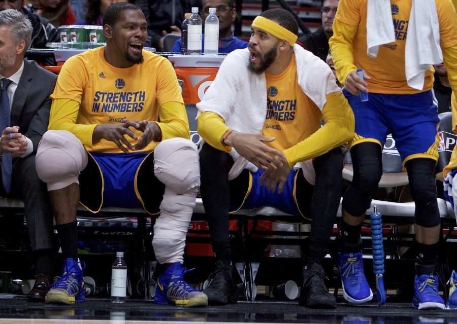 Nba A Fool No More Mcgee Finds Redemption On Warriors New Straits