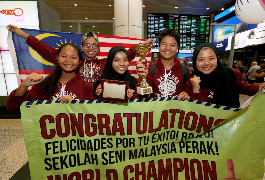 Perak School Wins Top Prize At Barcelona Arts Festival