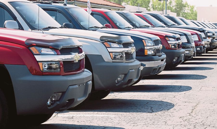 Gm To Cut More Than 1 000 Us Jobs Tied Small Cars