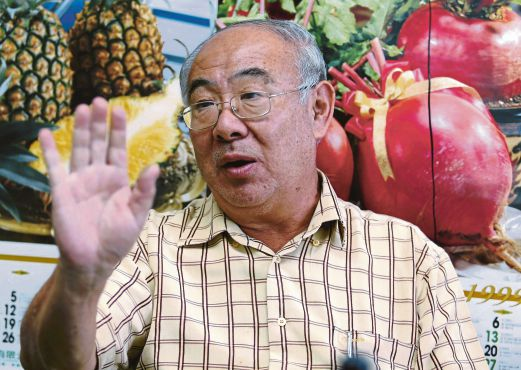 Cameron Highlands Vegetable Growers Association secretary Chay Ee Mong suggests that the government waive the Goods and Services Tax for pesticide, fertiliser and seedlings to ease the burden of farmers. Pix by Muhaizan Yahya