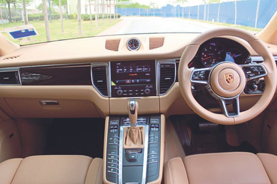 The U0027Luxor Beige Leatheretteu0027 Interior Topped With Piano Finish Black  Package Gives A Luxurious Feel To The Sporty SUV.