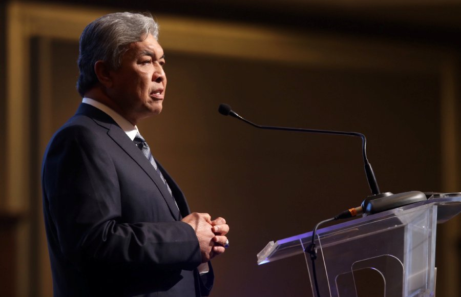 Deputy Prime Minister Datuk Seri Dr Ahmad Zahid Hamidi said Malaysia was committed towards enhancing business facilitation and positioning Malaysia in the global halal industry as an international reference centre. Pix by MOHAMAD SHAHRIL BADRI SAALI