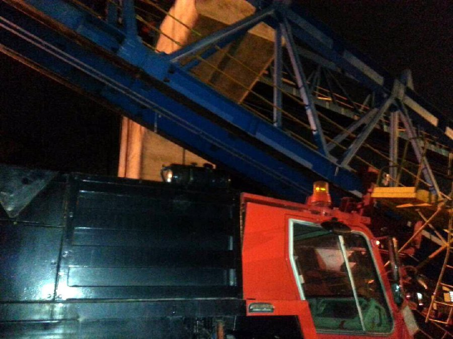 Worker killed as launching gantry collapses at MRT construction site