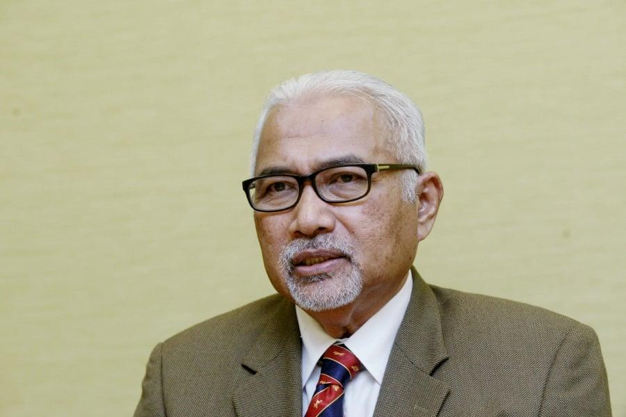 (File pix) EC chairman Tan Sri Mohd Hashim Abdullah. Pix by Mohd Khairul Helmy Mohd Din