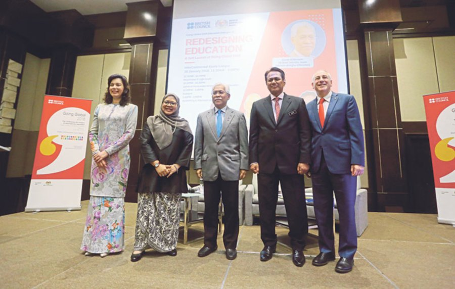 (From left) Hamidah Naziadin, Shareen Shariza Abdul Ghani, Idris Jusoh, Mohd Ismail Abd Aziz and Charles Fine at the Redesigning Education Dialogue and soft launch of Going Global 2018. Picture by HALIM SALLEH