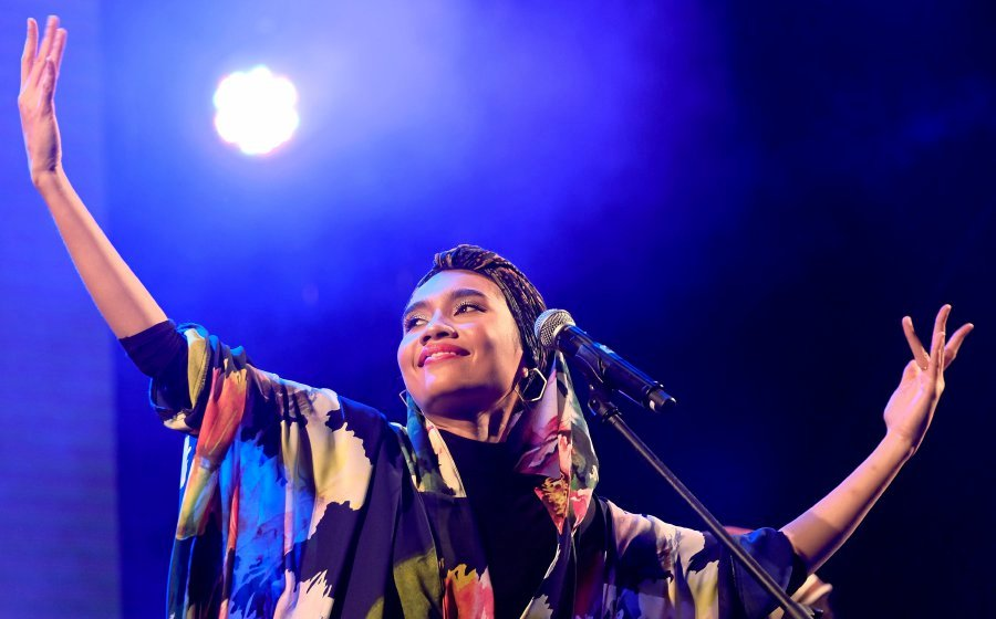 Yuna wows fans with rendition of French song   New Straits