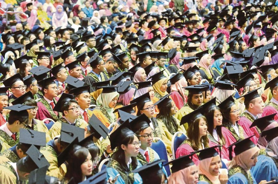 In Malaysia, foundation programmes offered by public universities serve as a direct route to specific degree courses at the same institution, while the matriculation programme is run by the Education Ministry. - NSTP/File pic