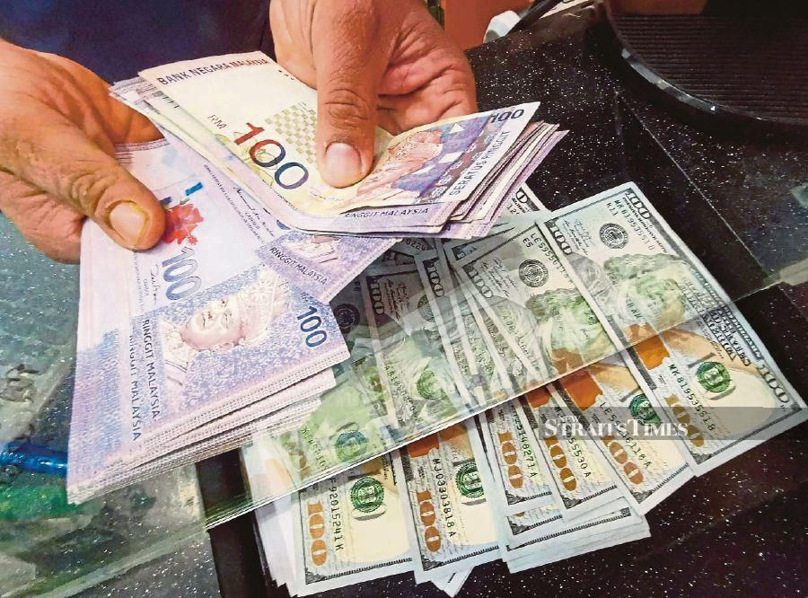 A dealer said that the market reacted positively to the encouraging stimulus measures by major central banks around the globe to stimulate the global economy which has been affected by the COVID-19 pandemic.