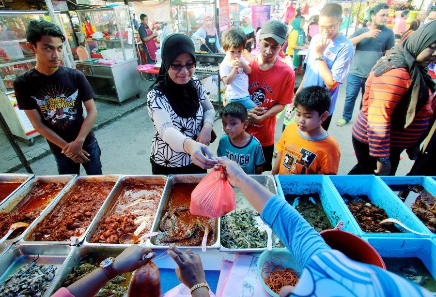 Ramadan bazaar in Johor Baru, Johor | New Straits Times | Malaysia ...