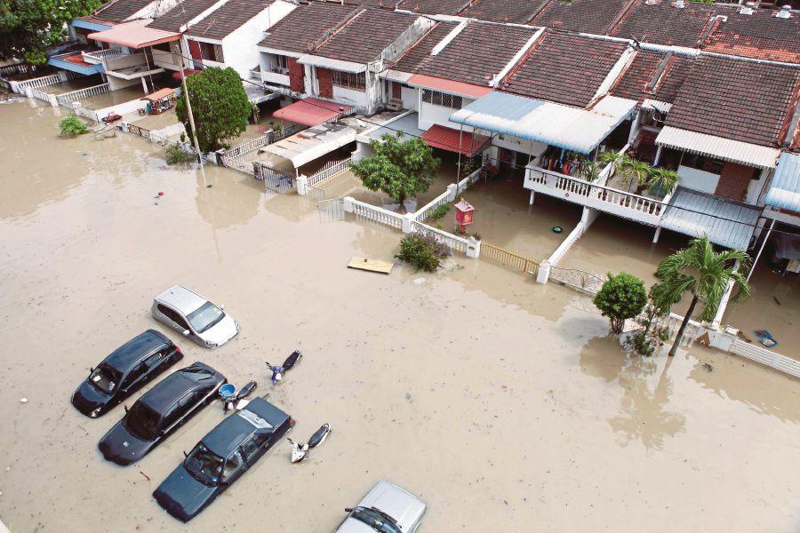 Penang trong thảm họa lũ lụt lịch sử (Hình: Amir Irsyad Omar)