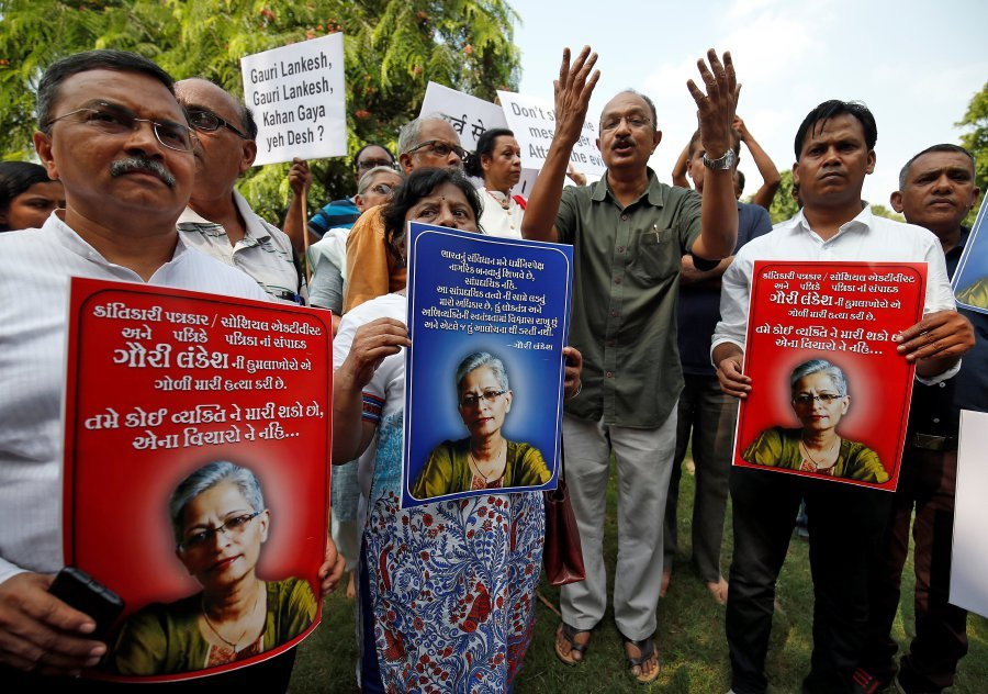Indian journalists, activists protest murder of newspaper