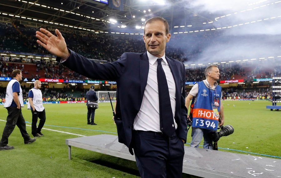 Juventus coach Allegri renews contract until 2020
