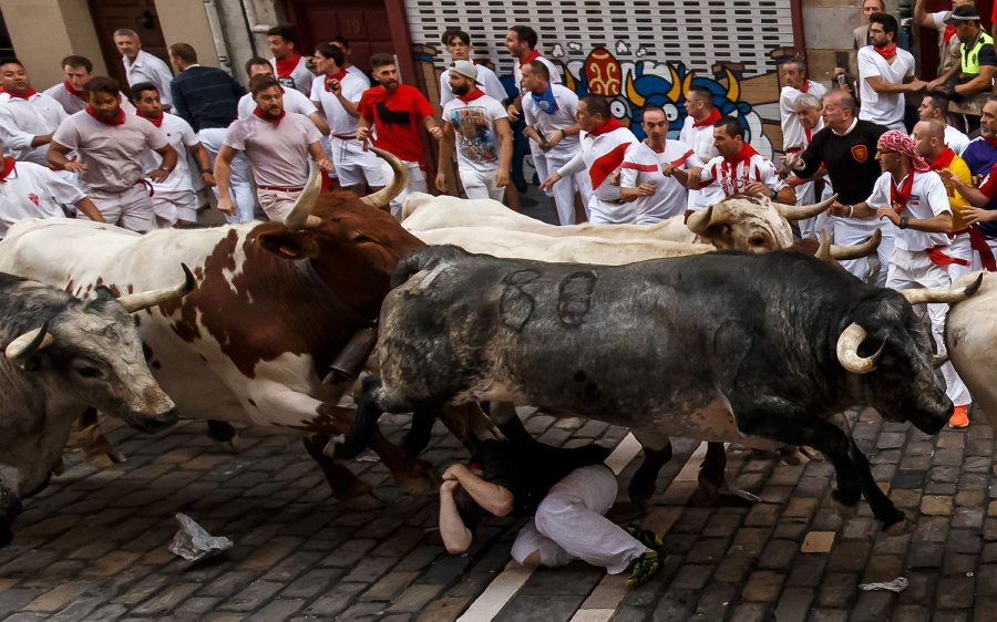 Three Gored In First Pamplona Bull Run New Straits Times