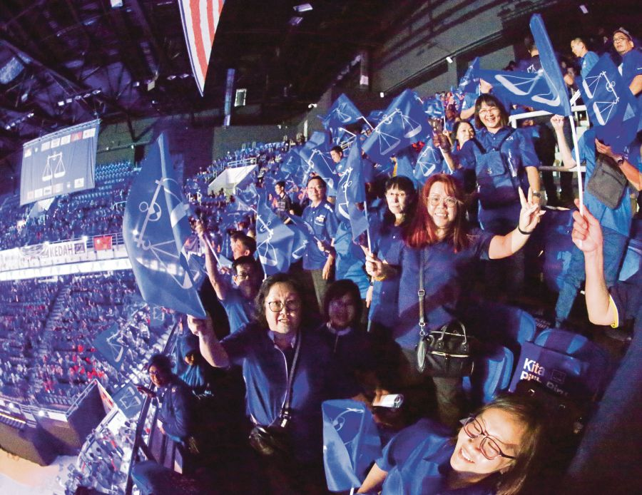 Image result for Barisan Nasional 2018 Election Manifesto launched