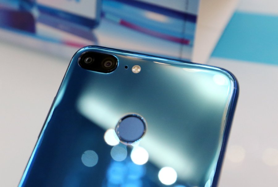 honor 9 Lite: Get your hands on the quad-camera smartphone