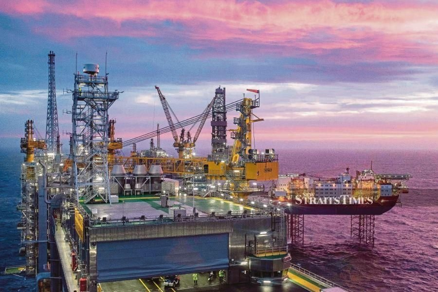 Uzma Bhd's subsidiary Uzma Engineering Sdn Bhd bags a RM100 million contract from Sarawak Shell Bhd and Sabah Shell Petroleum Company Ltd. Pix by AFP