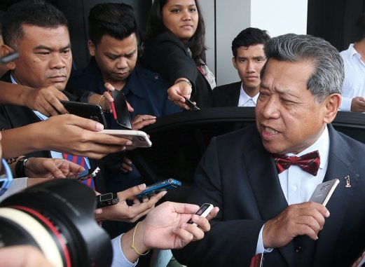 (File pix) The Auditor-General's report on 1Malaysia Development Bhd (1MDB) cannot be tabled in Parliament yet, as it is still classified under the Official Secrets Act, says Speaker Tan Sri Pandikar Amin Mulia. Pix by Sairien Nafis