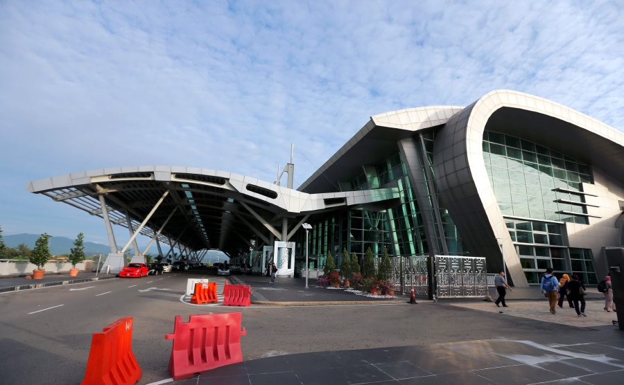 There is a growing public concern with the air pollution outside the Kota Kinabalu International Airport (KKIA) terminal recently.