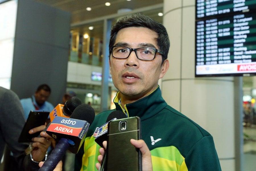 Kết quả hình ảnh cho Yoke Meng badminton