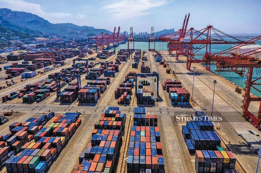 Malaysia's July exports beat expectation, more challenges in