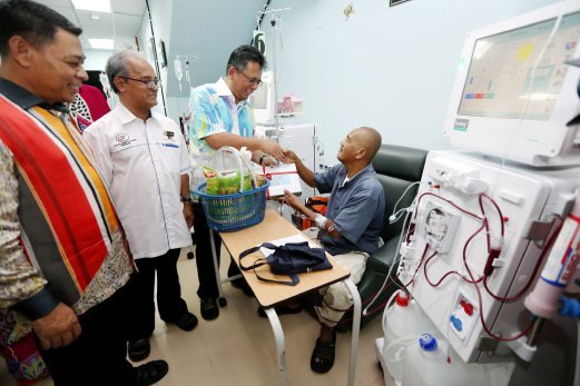 100 nurses urgently needed in Terengganu haemodialysis centres | New