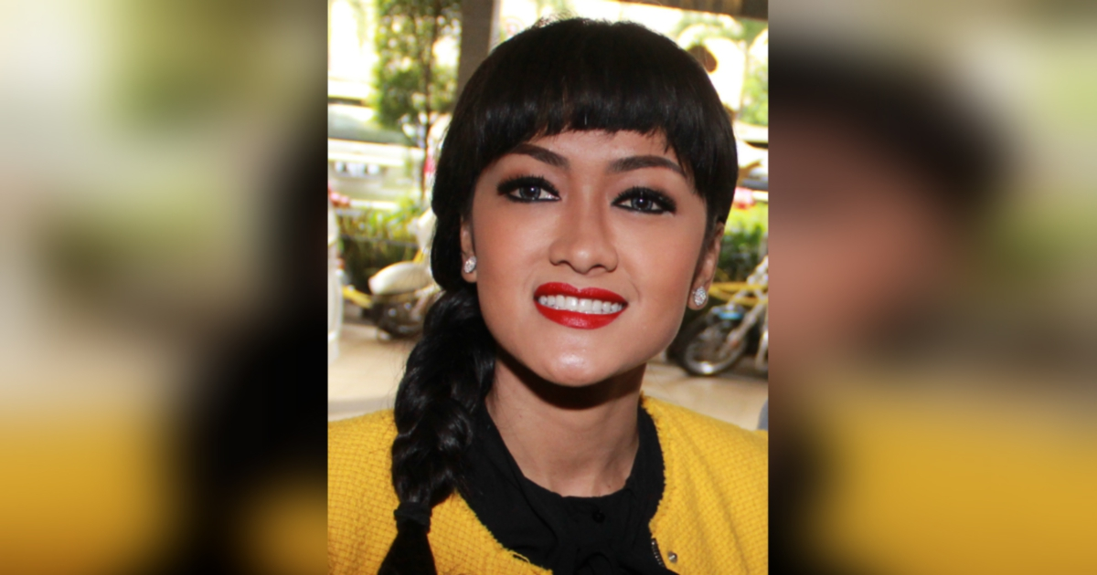 Indonesian artiste julia perez dies at 36 after battle with cancer indonesian artiste julia perez dies at 36 after battle with cancer new straits times malaysia general business sports and lifestyle news reheart Images