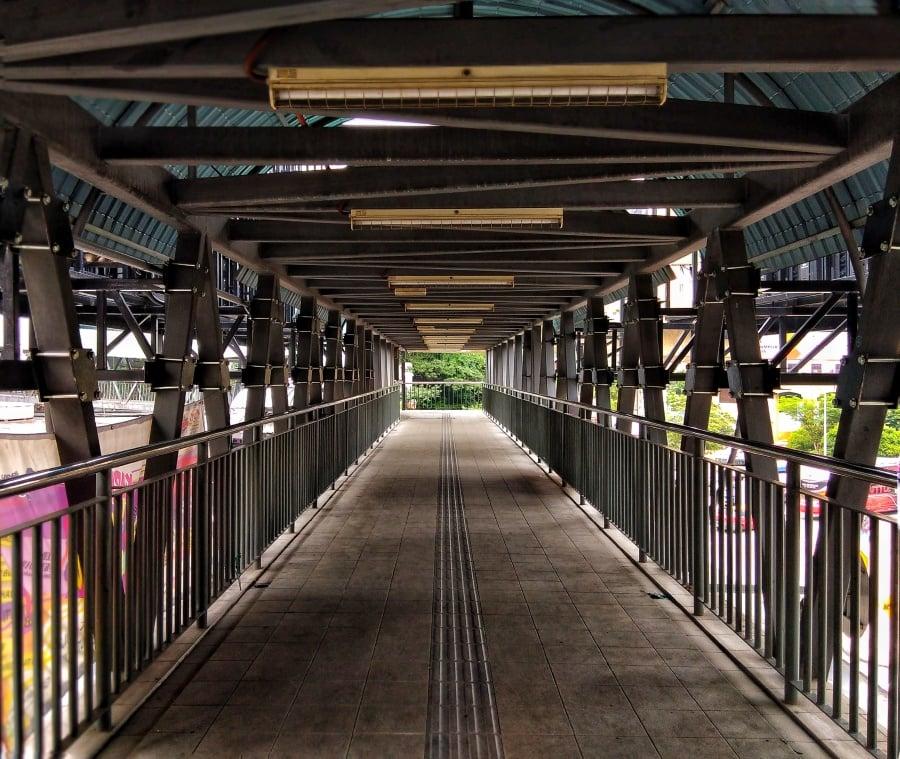 The pedestrian bridge from Pudu Sentral to Jalan Petaling