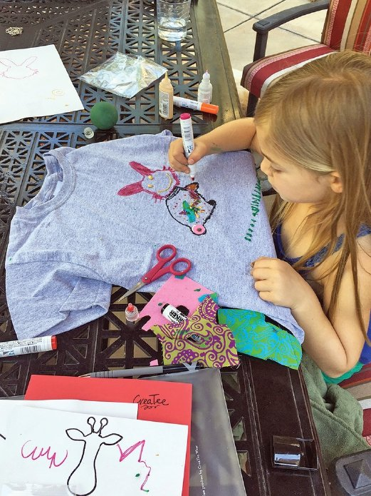 CreaTee produces DIY T-shirt activity kits for children to encourage them to create wearable art