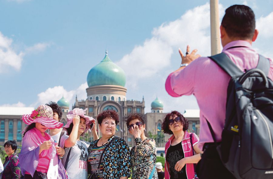 Foreign Tourist Guides Dont Exist New Straits Times Malaysia