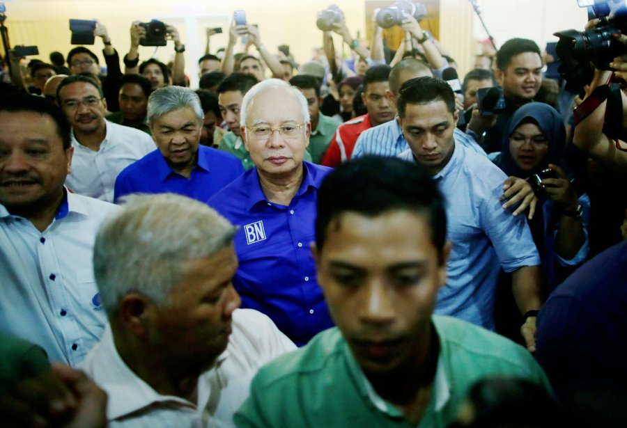 Barisan Nasional chairman Datuk Seri Najib Razak extended his congratulations to Tun Dr Mahathir Mohamad over the latter's appointment as Malaysia's seventh prime minister. (File pix)