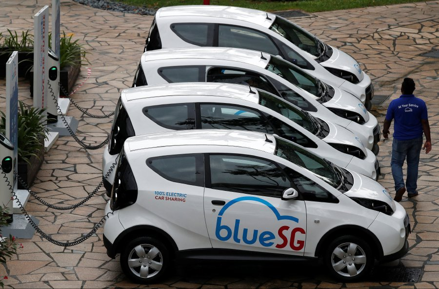Singapore launches electric car-sharing service | New Straits Times ...