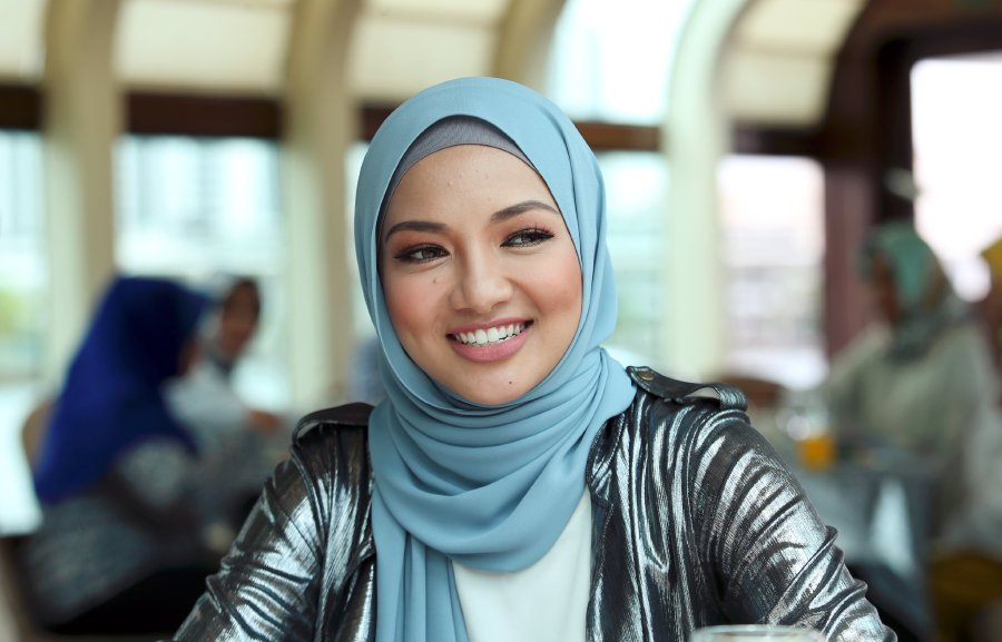 Neelofa makes it to Forbes '30 under 30' Asia 2017 list ...