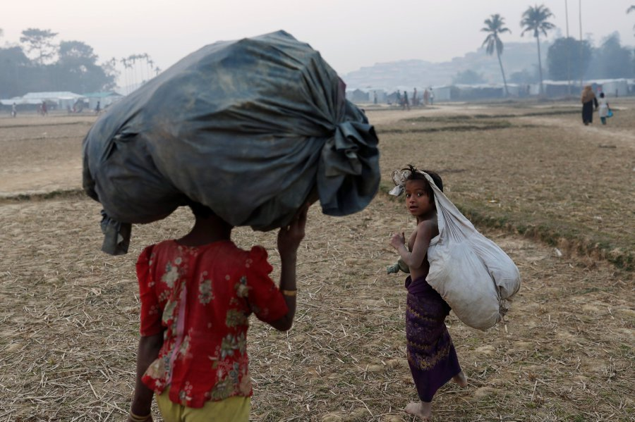 European Union urges Myanmar to allow United Nations probe into Rohingya assaults