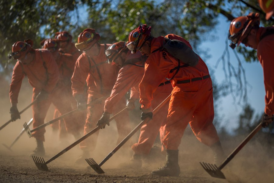California inmates fight wildfires for a buck an hour | New