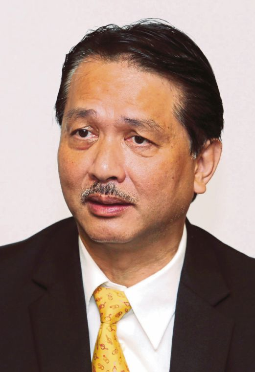 Health Director-General Datuk Dr Noor Hisham Abdullah says the use of cosmetics contaminated with prohibited substances may pose major health risks.