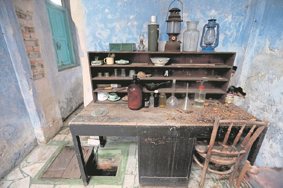 A desk at Sybil Kathigasu's shophouse.