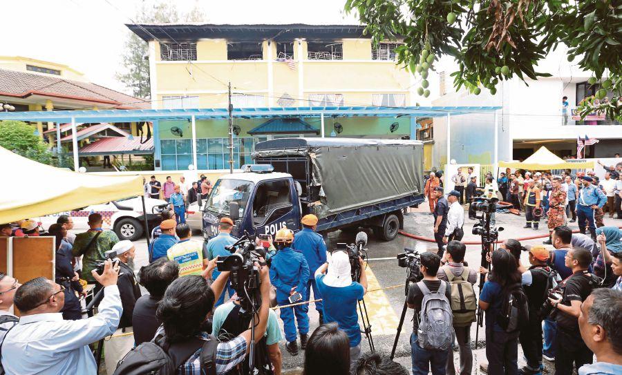 Malaysia: Fire kills 25 at religious school in Kuala Lumpur