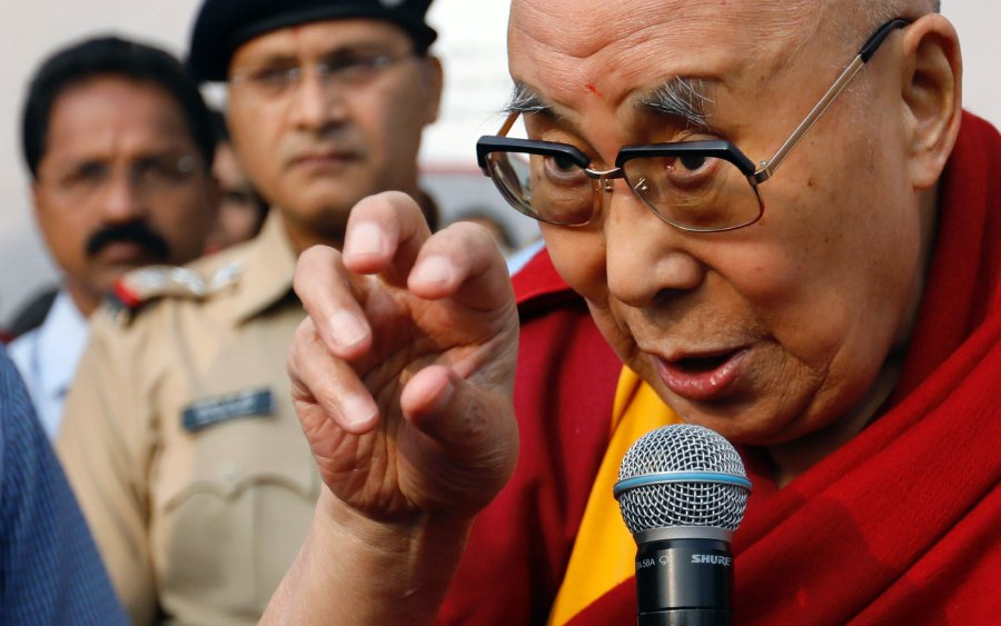 Dalai Lama turns to iPhone to spread app-iness | New Straits