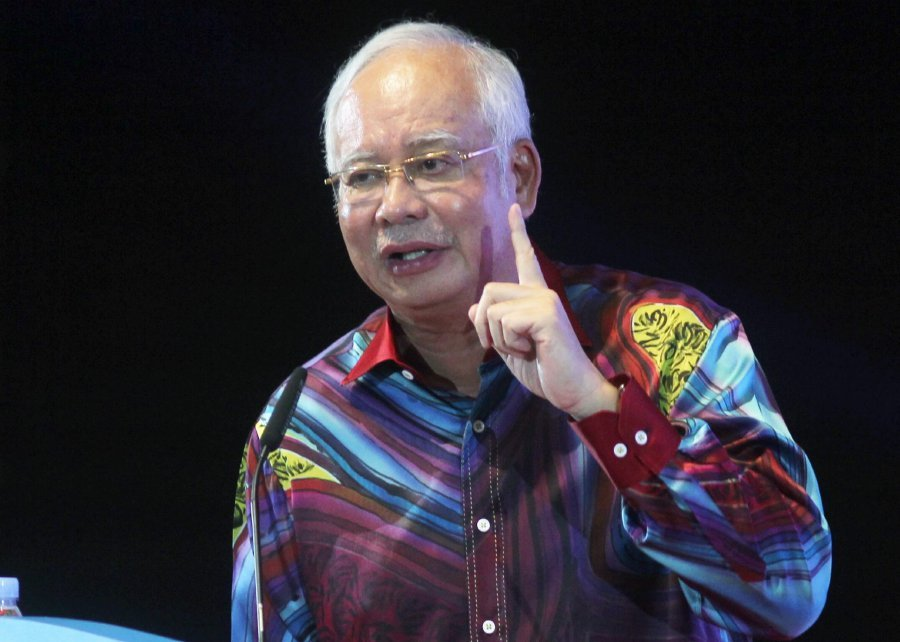 It's now time to attack, Najib tells BN cyber activists