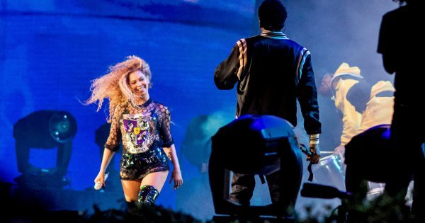 Beyonce to donate $100,000 for scholarships at black colleges