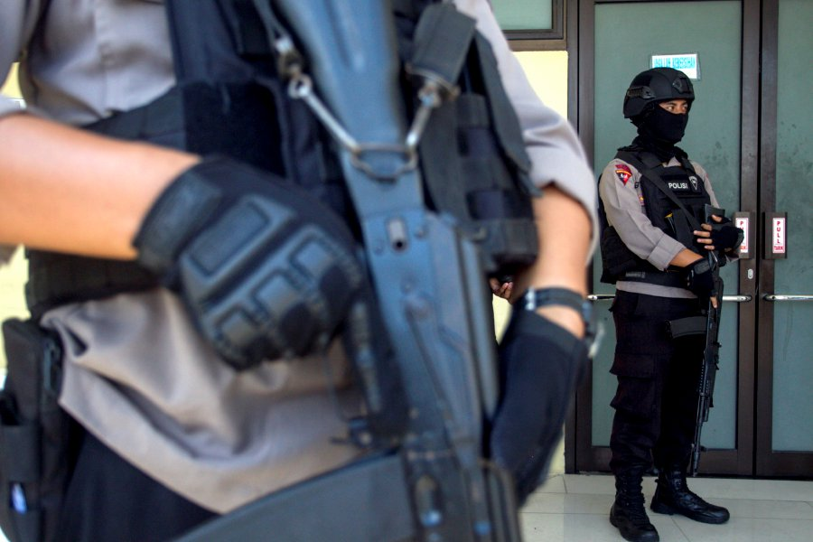 4 sword-wielding terrorists killed in Indonesia after ISIS attack