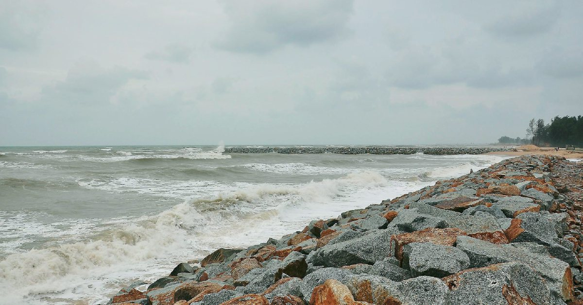 Strong winds, rough seas warning