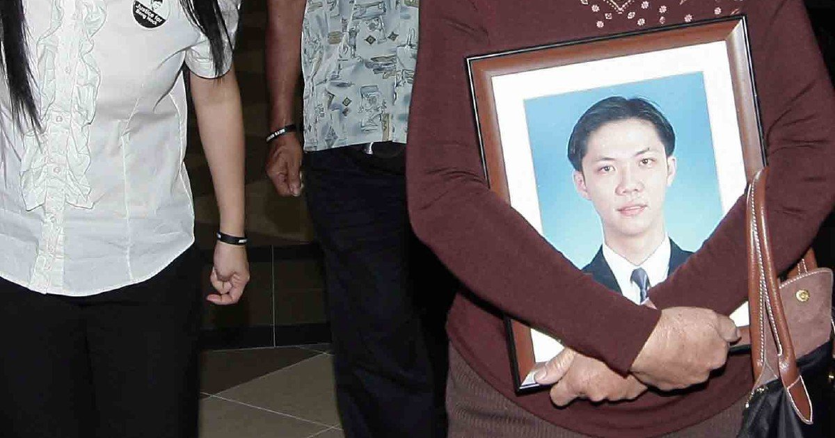 Probe into Teoh Beng Hock's death reopens