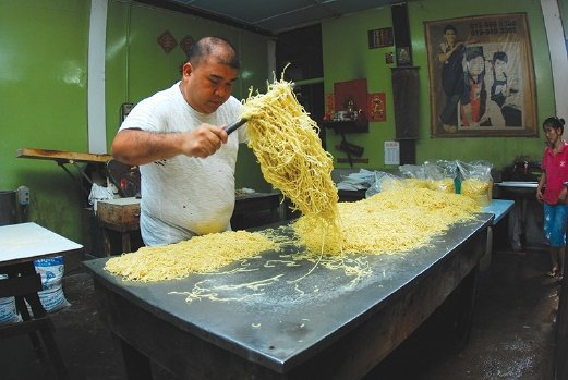 One of the excursions that the resort provide is a trip to Sungai Lembing and this noodle factory is worth checking out.