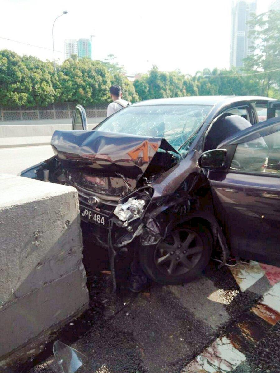 Member Of Johor Royal Family Killed In Car Crash Daughter Injured