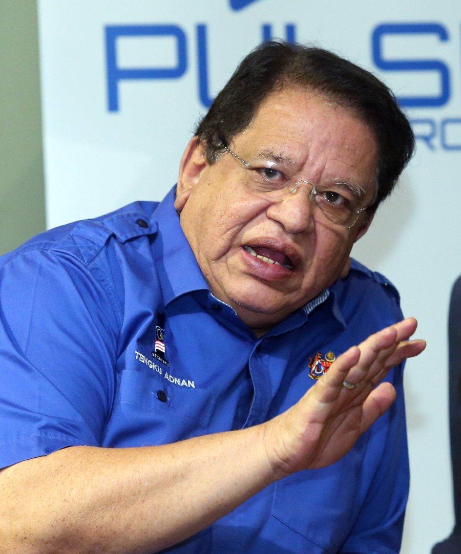 Federal Territories Minister Datuk Seri Tengku Adnan Tengku Mansor. (pix by MOHD FADLI HAMZAH)